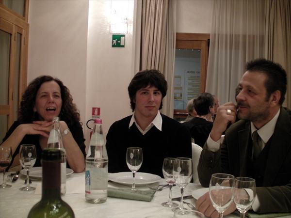 Giulio tra i genitori