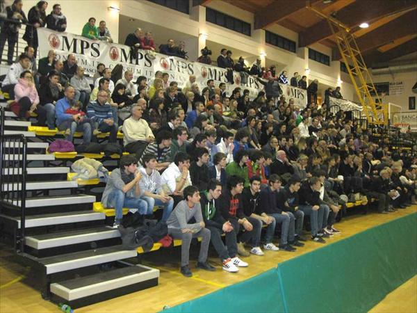 Il numeroso pubblico del PalaOrlandi