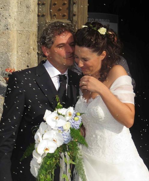 Marco Collini e Veronica Muzzi appena sposati