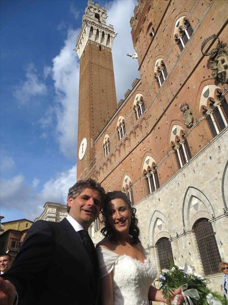 Marco e Veronica in Piazza del Campo