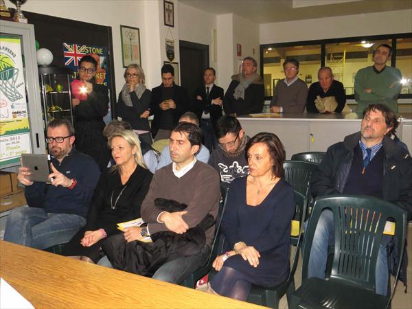 Il pubblico e i giornalisti presenti alla conferenza stampa
