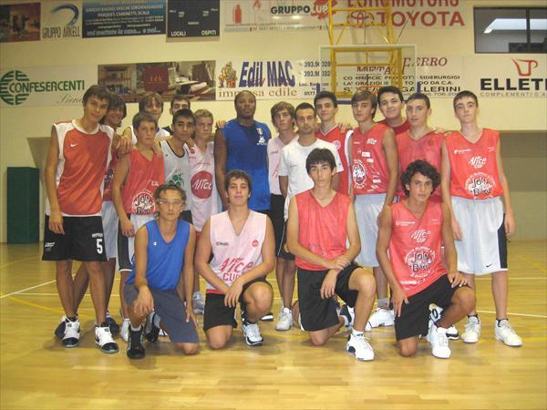 Under 17 maschile con il campione della Montepaschi